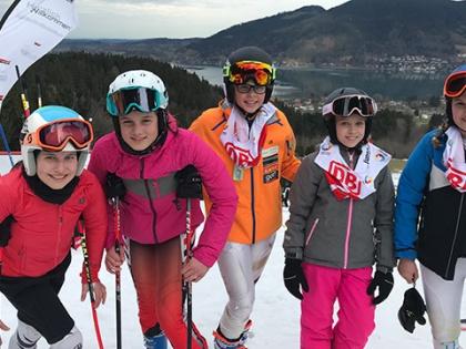Skiteam Mädchen beim Bundesfinale